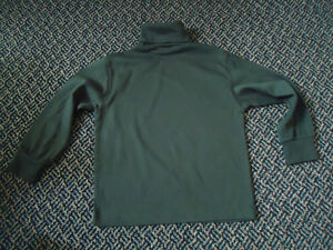 Boys Size 5 Turtleneck in Forest Green