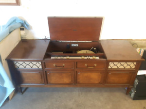 Vintage Record Player Stereo Combo