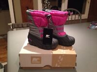 Sorel toddler size 9 winter boots