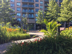 39 Oneida Cres, 2 Bedroom Condo, Yonge and Hwy 7 with 2 Parking