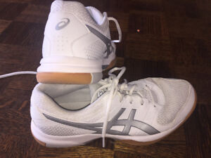 Volleyball Shoes for sale (Mizuno, Acics)
