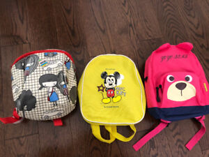 Kids backpack and safety locks