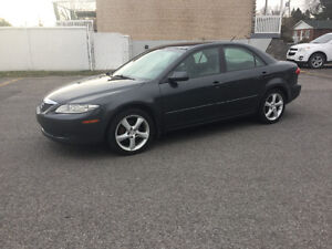 2005 Mazda 6 4 cylindres  PARTICULIER