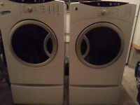 2,005 GE  laveuse / sécheuse - front load washer / dryer