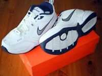 Nike Air Monarch IV men's 10 Leather Running Shoes