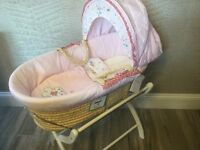 NEW - Izziwotnot Moses Basket and Stand