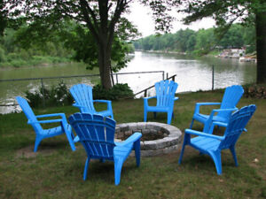 Wasaga Beach Vacation Rental Cottage on Canal