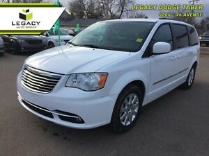 2015 Chrysler Town  Country TOURING   - $181.57 B/W