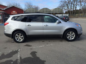 2010 Chevrolet Traverse LT SUV, Crossover