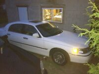 2000 Lincoln Town Car LOW KM
