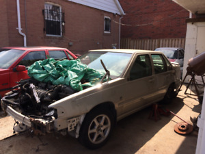 2000Volvo S70 Sedan PART OUT