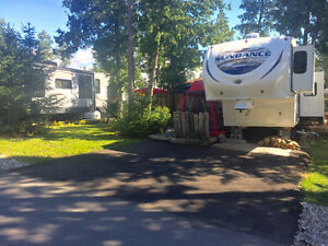 33 Ft Fifth Wheel Travel Trailer with 2017 Camping Season Paid