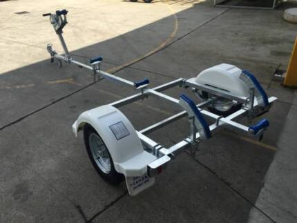 12FTLW model boat trailer REGISTERED-suits boats in the 3.7m rang