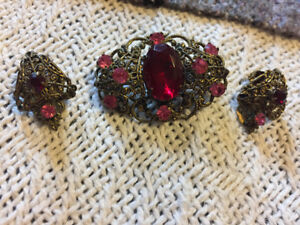 Vintage 1920's brooch and earrings