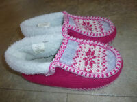 Girl's moccasin slippers with rubber soles, size 2/3, very warm