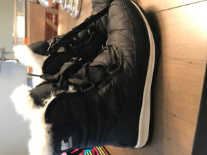 Sorel Whitney Youth Boots