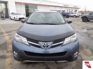 2013 Toyota Rav4 XLE AWD DEALER MAINTAINED AND CLEAN CARPROOF