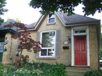 """""""Ontario Cottage"""" in Charming Old East"""