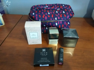 Genuine Avon washbag with beauty products