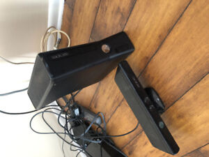 Xbox 360 w/ Kinect & controller