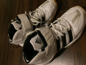 Adidas badminton/footsal shoes w/ fore-foot shield support sz9.5