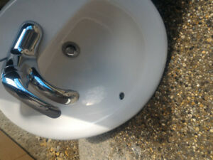 Two sinks- excellent condition