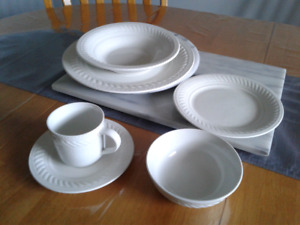 6 Piece Dinner Place Setting