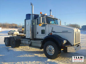 2009 Kenworth T-800 T/A Highway Tractor