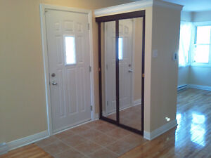 POINTE CLAIRE , 3 bedroom, renovared, clean West Island Greater Montréal image 4