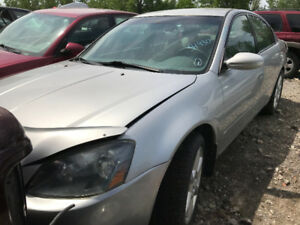 2005 Nissan Altima ** FOR PARTS ** INSIDE & OUTSIDE **