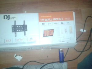 "Tv wall mount 32"" - 55""     rated 75kg/165lbs (Pickup)"