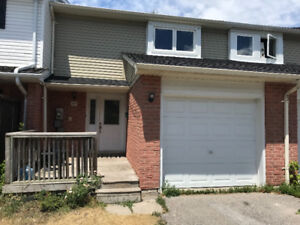 3 BEDROOM TOWNHOUSE FOR RENT IN BARRIE