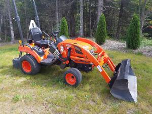 Kioti tractor cs2410