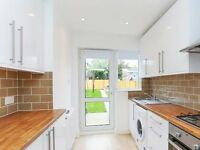 NEWLY REFURBISHED 3/4 BEDROOMS HOUSE, DOUBLE RECEPTION, LOTS OF NATURAL LIGHT, PRIVATE GARDEN