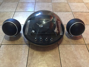 Vintage Electrohome Apollo 860 Turntable & Speakers