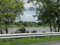 WATERFRONT NEWLY RENOVATED HOUSE FOR RENT - CHATEAUGUAY