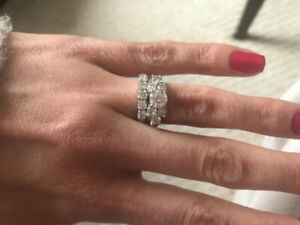 Gorgeous Engagement Ring and Wedding Band Combo