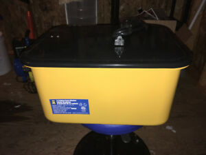 Brand new 3.5 gallon parts cleaner