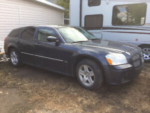 2007 Dodge Magnum. $1600 firm. Need Cash. Sorry no trades.