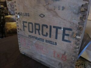 VINTAGE FORCITE WOODEN BOX IN GOOD CONDITION asking $45 or best