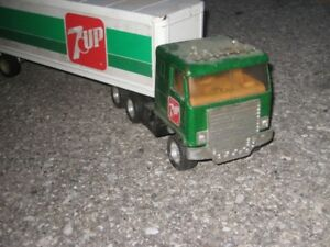 Vintage toy  7up truck