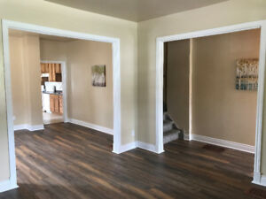 SEMI HOUSE FOR RENT Downtown Prescott 3 Bed + Den 1 Bath MAY 1ST