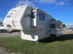 2010 Jayco Eagle 313 RKS 5TH Wheel Travel Trailer **CLEAN UNIT** London Ontario image 2