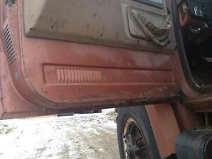 Parting out GMC 6500 Strathcona County Edmonton Area image 3