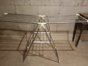 HEAVY DUTY EXTENDABLE CLOTHES DRYING RACK