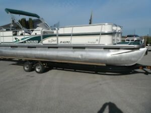 FALL SALE-24 ' SUNCRUISER PONTOON w/115 & Tandem trailer!