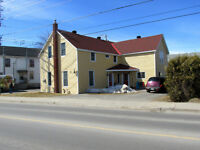 Duplex in Almonte.  Live in one unit-mortgage paid by other