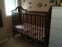 Crib converts into Toddler bed