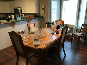 Dining room table /extra leaf/ china cabinet