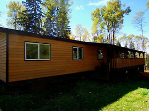 Delightful 3-Bedroom Home on 5.93 Acres near Horsefly Lake